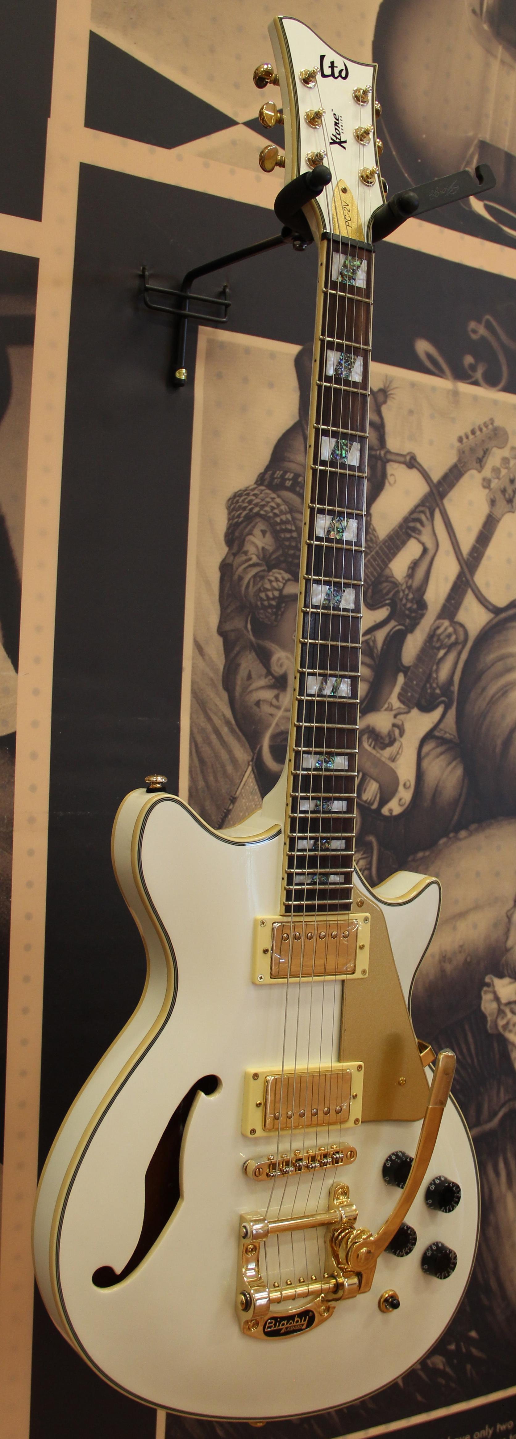 esp ltd xtone pc 2v electric guitar pearl white 840248017640 ebay. Black Bedroom Furniture Sets. Home Design Ideas