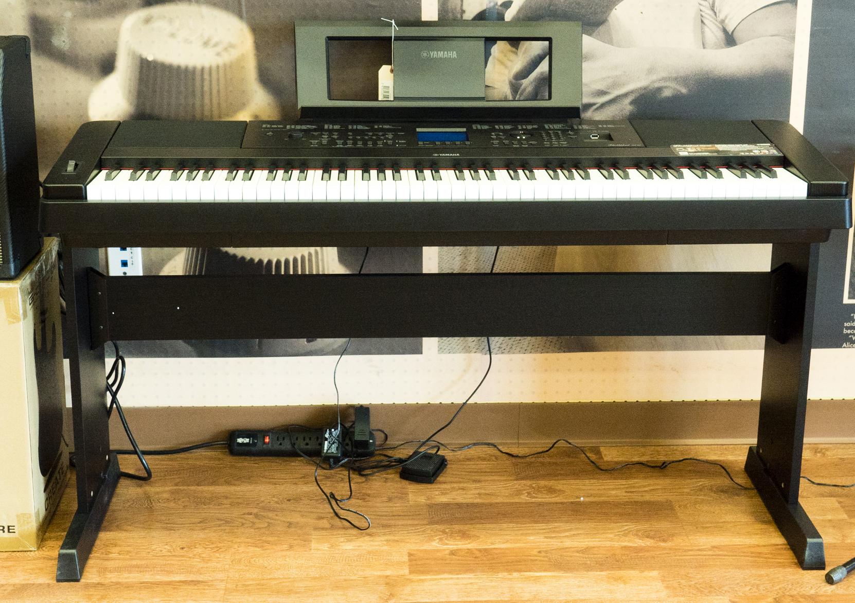 Yamaha dgx660b digital piano ebay for Yamaha dgx 660 bundle