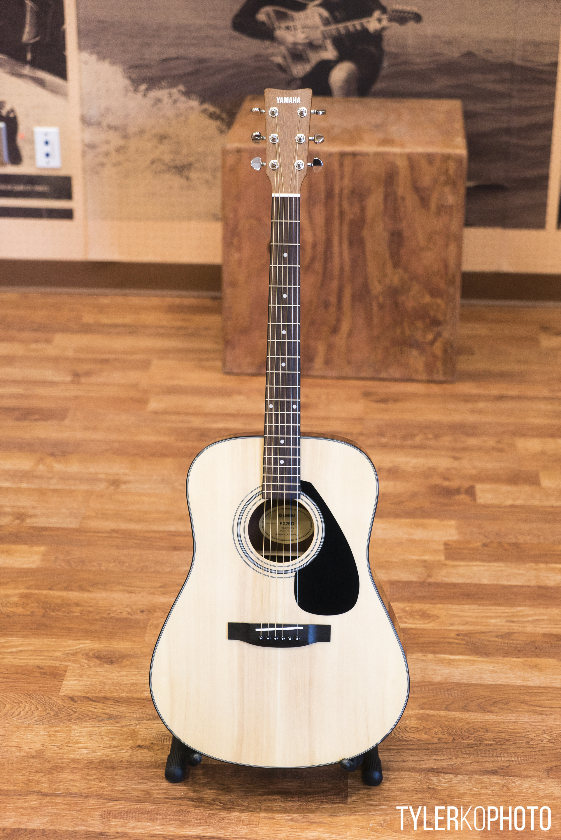 Yamaha f325d acoustic guitar picclick uk for Yamaha classic guitar