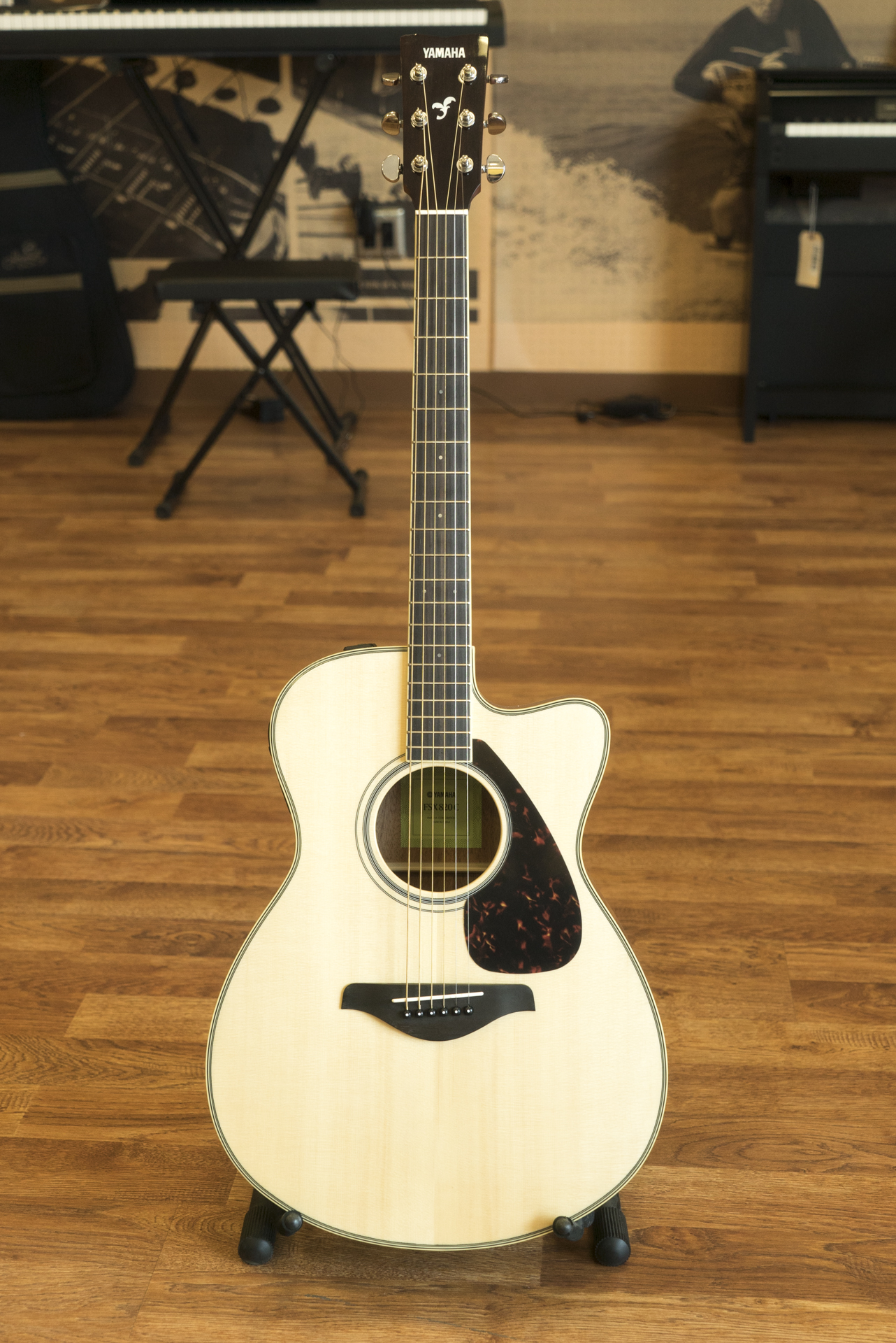 Yamaha fsx820c solid top small body acoustic electric for Yamaha solid top