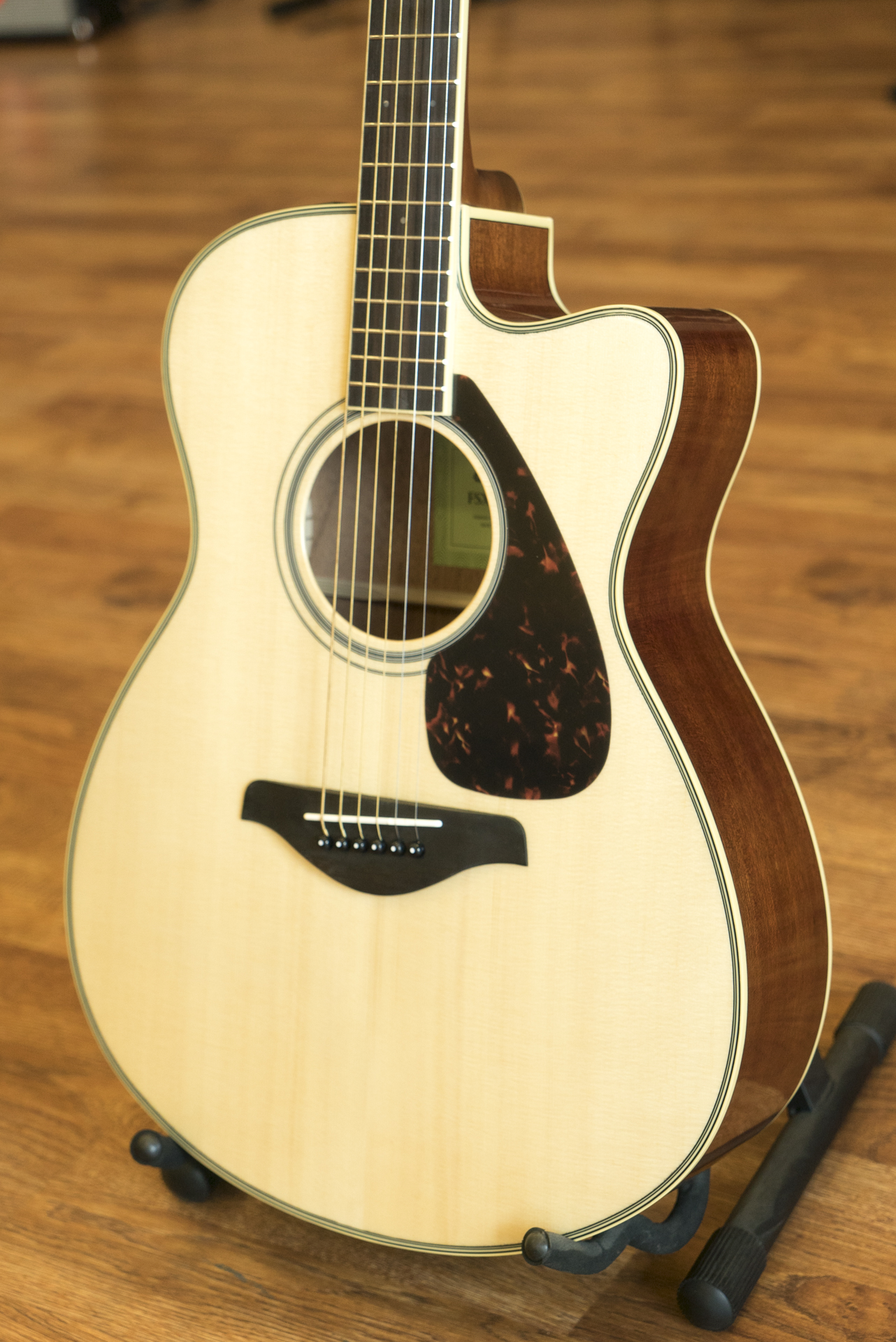 yamaha fsx820c solid top small body acoustic electric guitar natural 889025104548 ebay. Black Bedroom Furniture Sets. Home Design Ideas